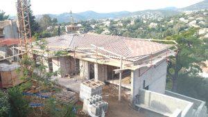 Exécution de gros oeuvre, toiture, construction